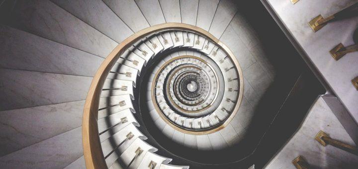 Gerade In Häusern Mit Mehreren Stockwerken Ist Es Wichtig, Dass Die Treppen  Gut Beleuchtet Sind. Manchmal Reicht Das Einfach Flurlicht Nicht Um Die  Gesamte ...